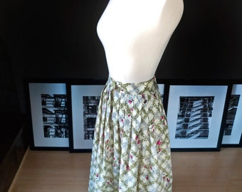 La vie on rose... Vintage circa 1950s FULL SKIRT