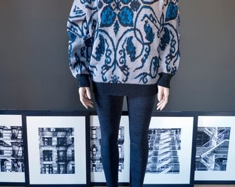 SALE, SALE... Vintage oversized boyfriend SWEATER with bold abstract print