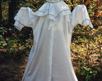 D132    Most Adorable Cute Ghost Halloween Costume  Adult Sizes