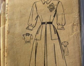 American Weekly 3779  Womens Dress 1940s Vintage Pattern Bust 31