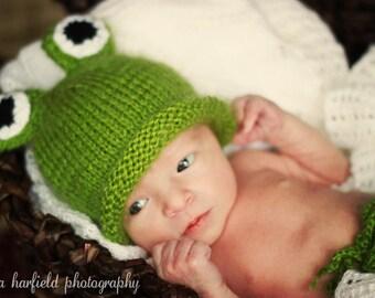 Newborn photo prop, frog newborn/ baby hat, photography props, newborn boy, newborn girl, baby hat, newborn hat, baby knit hat, newborn prop