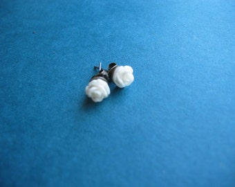 Dainty Rose Stud Earrings - White