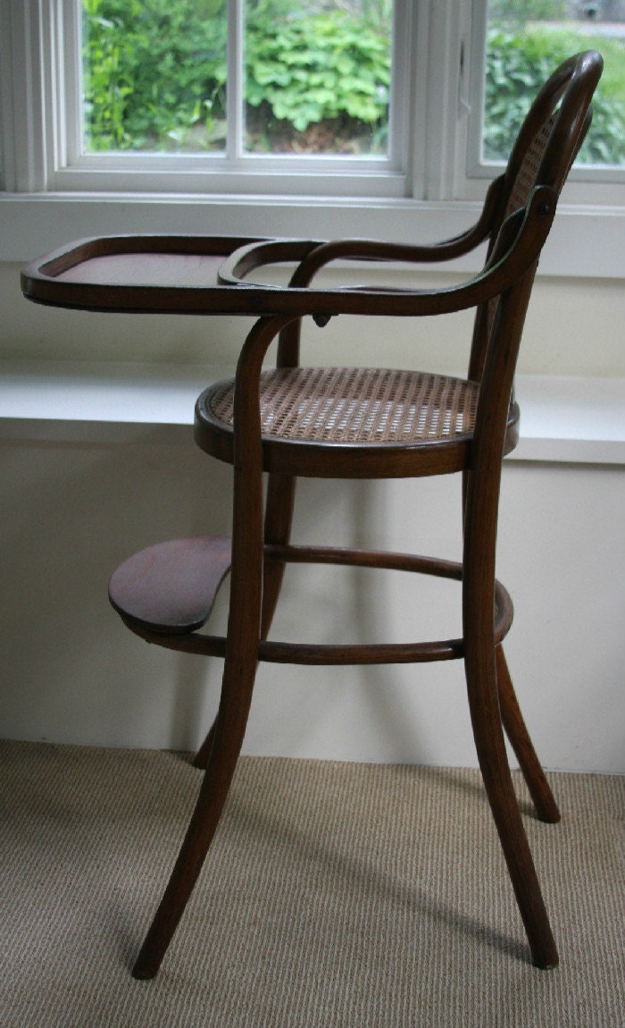 Antique high chair bentwood -  High Chair Vintage Bentwood Zoom