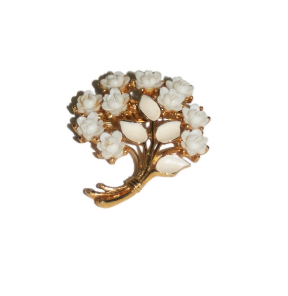 Vintage White Bouquet Brooch // Celluloid