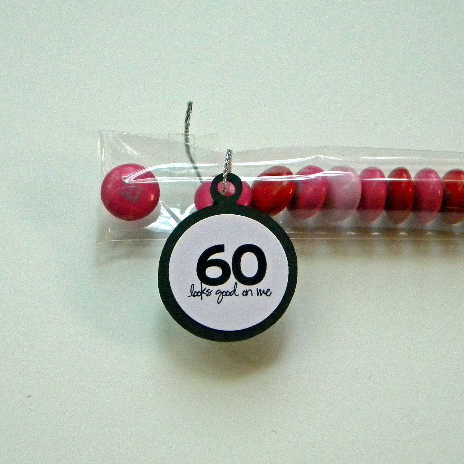 60th birthday party favors 60 looks good on me pink for 60 birthday decoration party