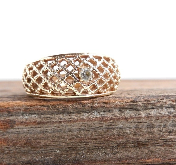 Vintage Lattice Lace Ring - Gold Tone Size 7 Avon Rhinestone 1970s Costume Jewelry / Basketweave