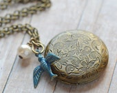 Gift for Her Locket Rustic Wedding Jewelry Bridesmaid Jewelry Bridesmaid Necklace Gift Bridal Jewelry Rustic Wedding Blue Bird Locket