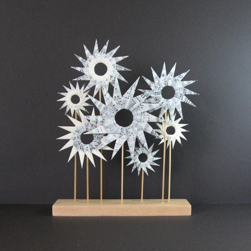 paper garden origami star sculpture black and white art. Black Bedroom Furniture Sets. Home Design Ideas