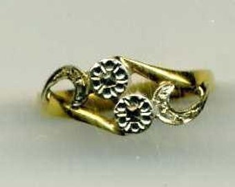 Antique Jewelry-RING-18 kts GOLD- circa 1900- State stamp-Cross Over Floral Pattern- white Gold, top and cut out sides, yellow Gold for rest