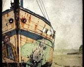 Epave de Bateau 01 - Fine Art Print - Forgotten Ships - Boat Wreck Landscape Photography - Etsy Wall Art - TFTeam