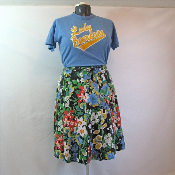 30W-47H, vintage skirt, size 10, size 12, 1970's or 1980's, button front, bright tropical floral print cotton, size large