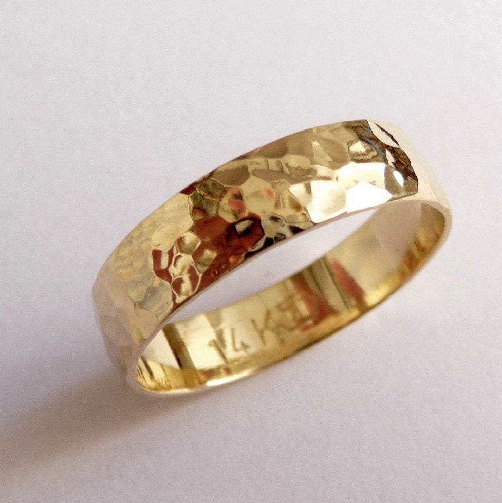 Gold Mens Wedding Band Wedding Ring 5mm Wide Hammered By Havalazar
