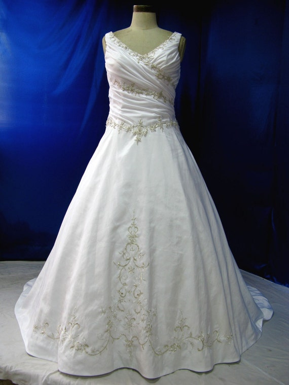 Beautiful Plus Size Wedding Dress with Straps in Satin and Embroidered Lace Very Flattering with Ruching Bridal Gown