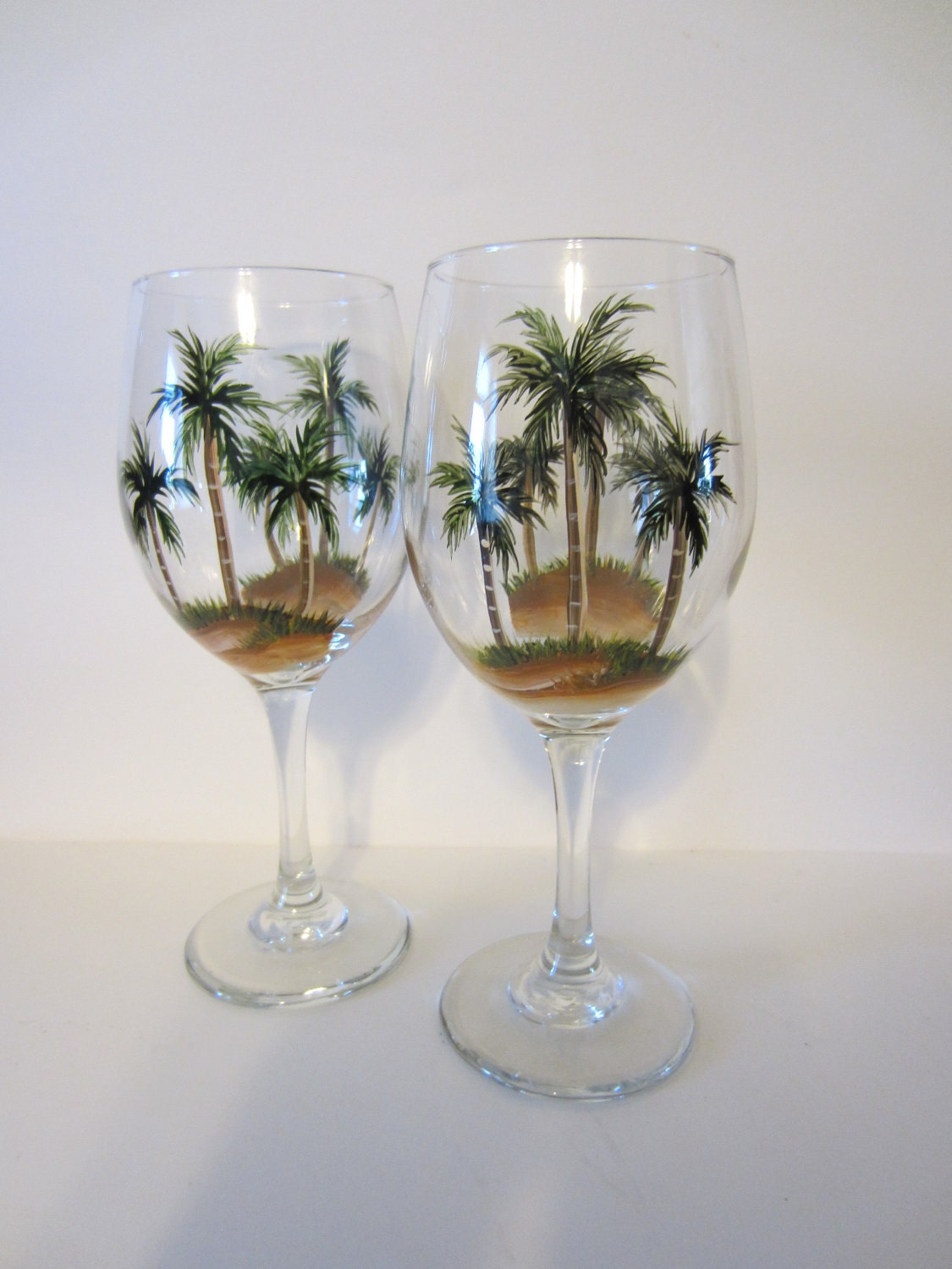 2 hand painted palm tree wine glasses Images of painted wine glasses