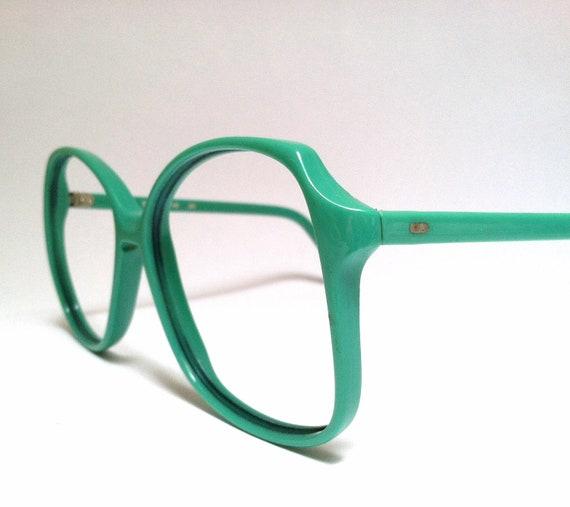 NERD ALERT / Mint 80s Green Glasses Frames
