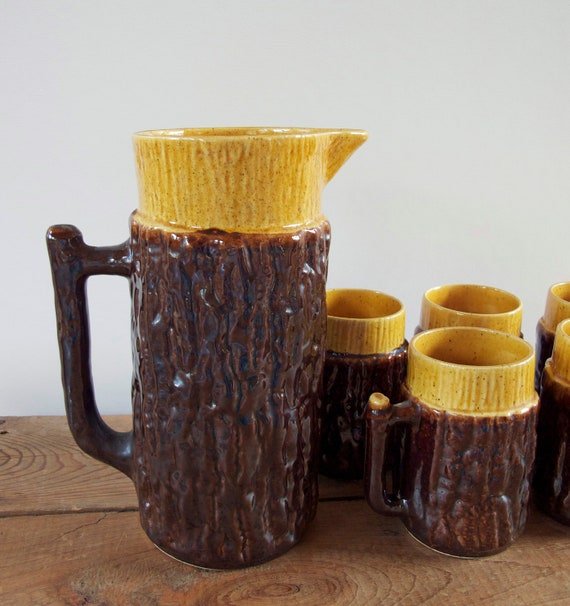 Faux Bois Vintage Serving Set Pitcher and Five Mugs Mustard and Brown