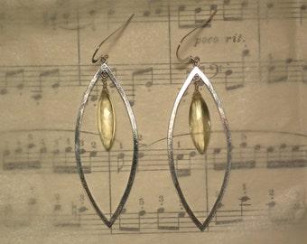 Siona - Lemon quartz earrings