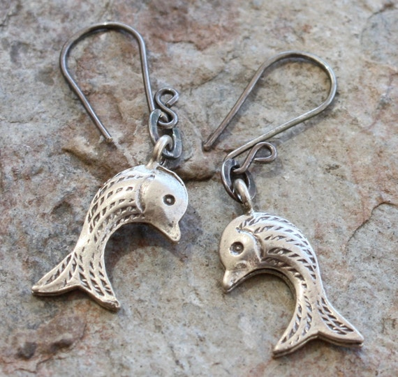 Sweet FISH earrings, sterling silver, Karen Hill Tribe