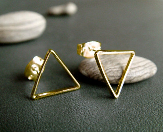 CLEARANCE . triangle . gold . simple geometric stud earrings