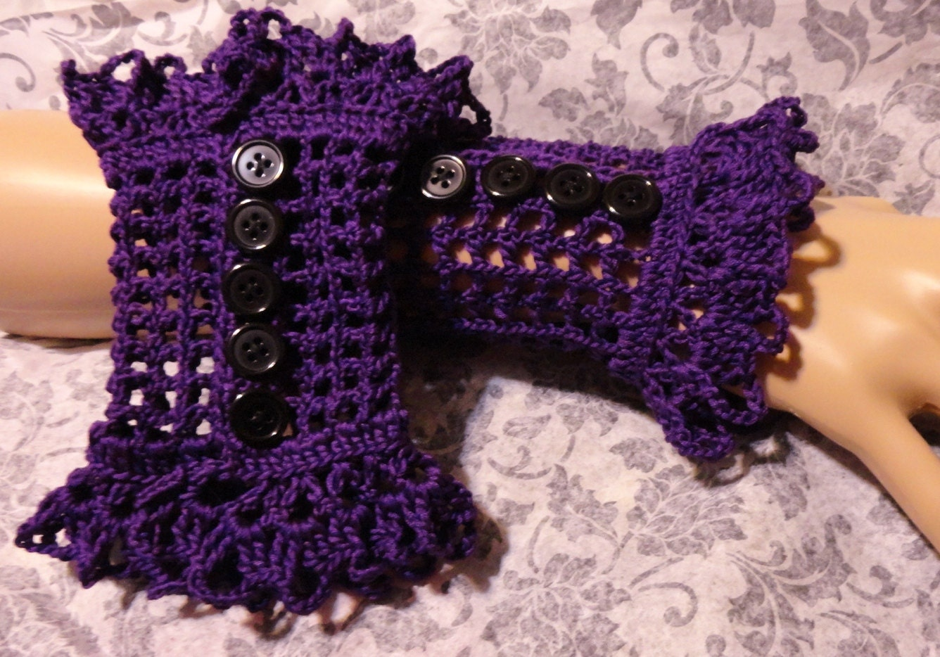 Challenge an item to crochet for my semi goth daughter she has 8 a lovely black scarf bankloansurffo Images