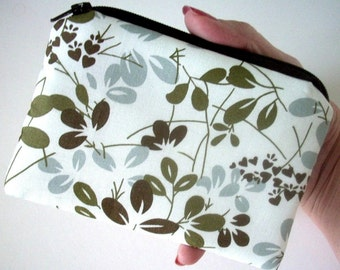 Little Zipper pouch Coin Purse Gadget Case ECO Friendly Padded Simply Olive  NEW