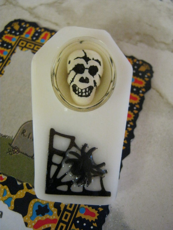 White Coffin Skull With Spider Brooch