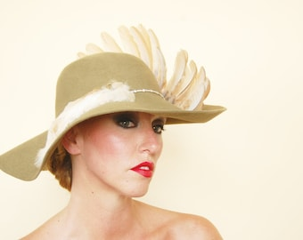 """The Pearl"""" : wide brim felt hat with taxidermy wing"""