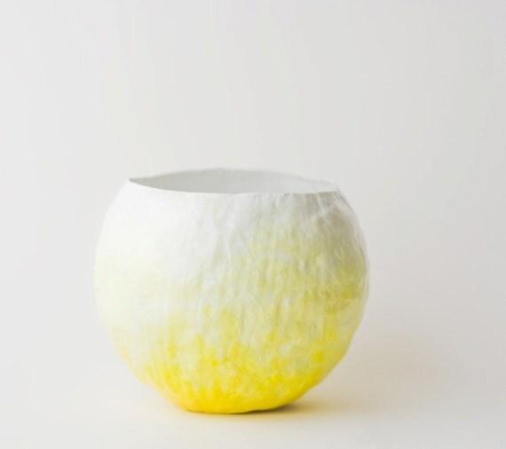 Yellow Fade Vessel