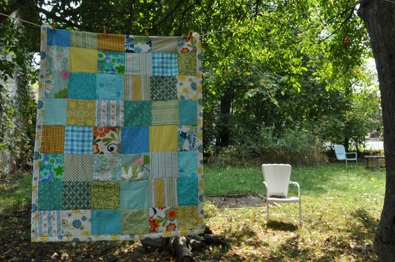 gender nuetral baby quilt -- robins egg blue yellow -- cotton.