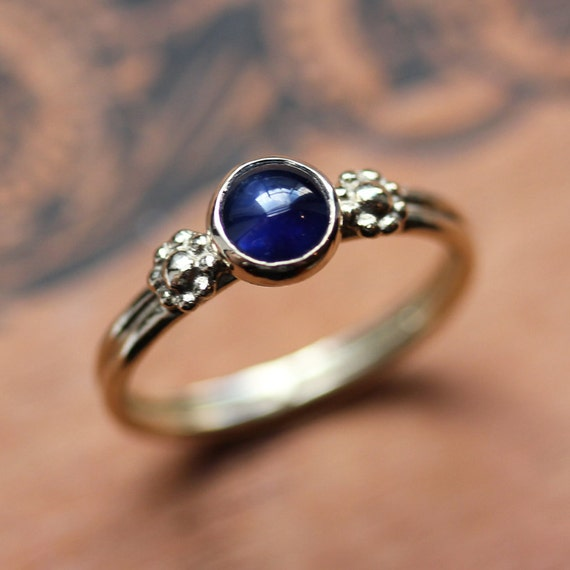 Blue sapphire ring - September birthstone - 14k yellow gold ring - daisy ring - Virgo - unique gift - anniversary - ready to ship size 6.5