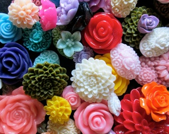 500pc. wholesale flower cabochon mix grab bag of cute Kawaii roses, mums etc... (DESTASH SALE)