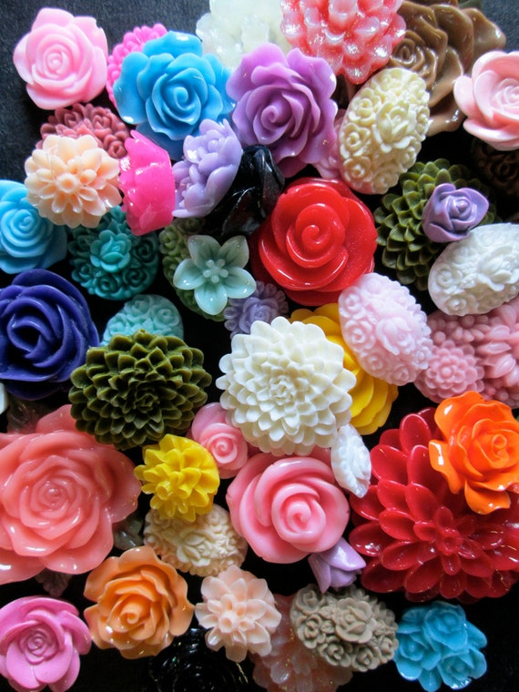 200pc. flower cabochon mix grab bag of cute Kawaii roses, mums etc... (DESTASH SALE)