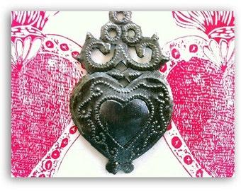 Haitian Milagro Heart Ornament with Scrolls
