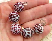 Red and White Lampwork Glass Beads - Glass Bead Set - HowFunIsThat - Free Shipping to US and Canada - SRA