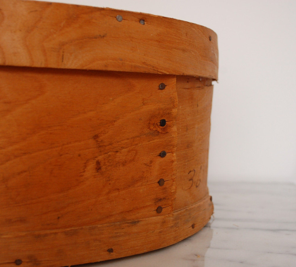 Vintage round wooden cheese box for Circular wooden box