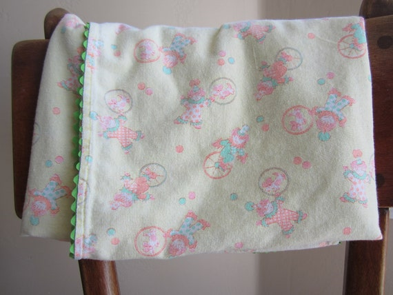 vintage flannel recieving blanket- yellow, pink & green circus