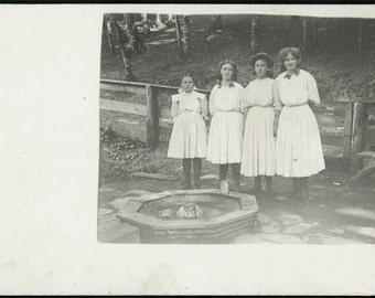 vintage photo to Winnie Will Hubbard from Martha Johnston 4 sisters in a row RPPC