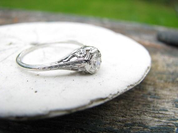 Sweet Vintage 18K Filigree Diamond Ring - Old Mine Cut Diamond - Flowers and Hearts - FREE SHIPPING