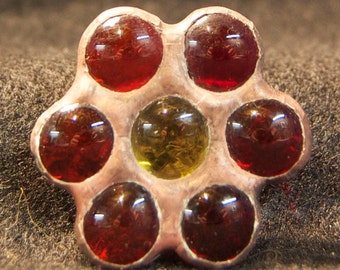 Red Glass Nugget Flower Pin