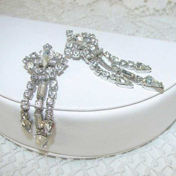 Rhinestone Jewelry Fur Clip Stole Clips Dress Small Dangle 1940s Vintage Brooch