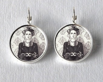 Silver Circle Earrings Queen of Hearts Alice in Wonderland