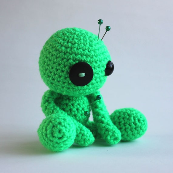 Crochet Amigurumi Voodoo Doll : Life the Green Amigurumi Voodoo Doll by cutedesigns on Etsy
