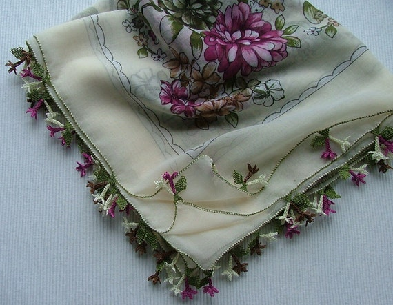 White/Pink color scarf with pink oyas