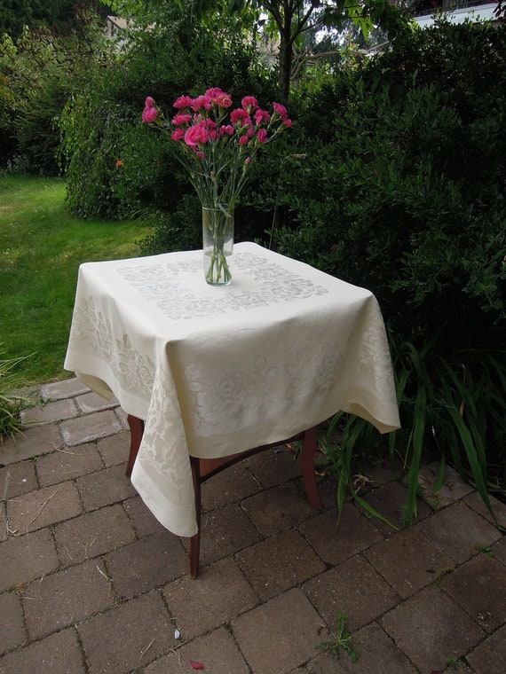 Vintage Butter Yellow Damask Tablecloth and 4 Napkins, Table Linens, Square, Antique