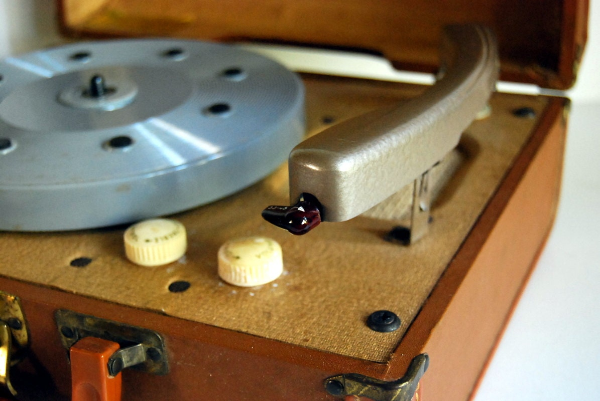 Vintage Record Player Rca Victor Portable 1950s By