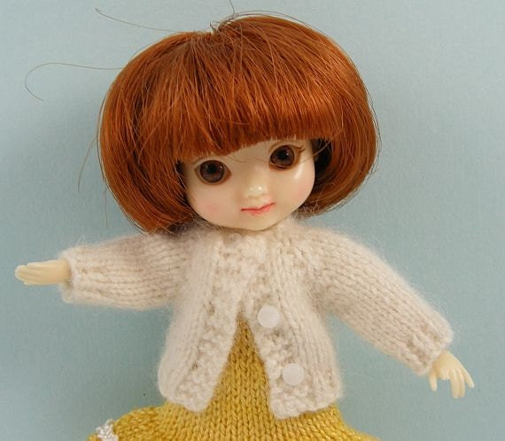 Amelia Thimble doll handmade knitted white cashmere cardigan sweater AM67
