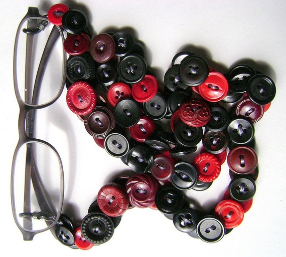 Eyeglass Chain in Vintage Buttons Reds and Black
