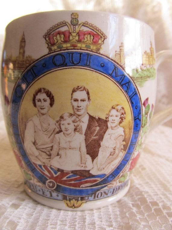 Antique 1937 George VI And Queen Elizabeth With Daughters Coronation Souvenir Mug