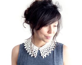 Lace Collar // Peter Pan Collar // Crochet Cobweb Collar Cream