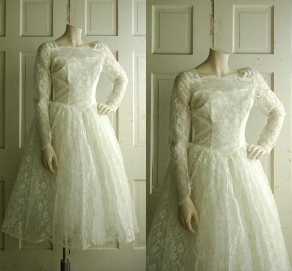 SALE Vintage Short Lace Wedding Dress / 1950s Wedding Gown